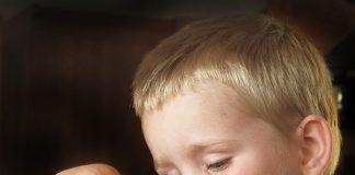 11 sfaturi pentru a motiva copiii mofturosi sa manance