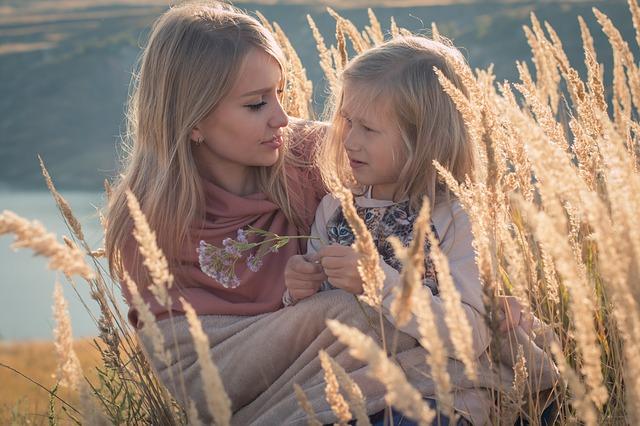 Cum sa-ti ajuti copilul excesiv de dependent sa devina independent